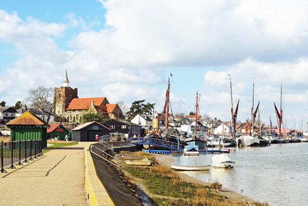 Maldon Blackwater Estuary Tour & 'Viking Saga' Boat Cruise with Lunch