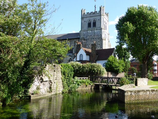 Dating Waltham Abbey
